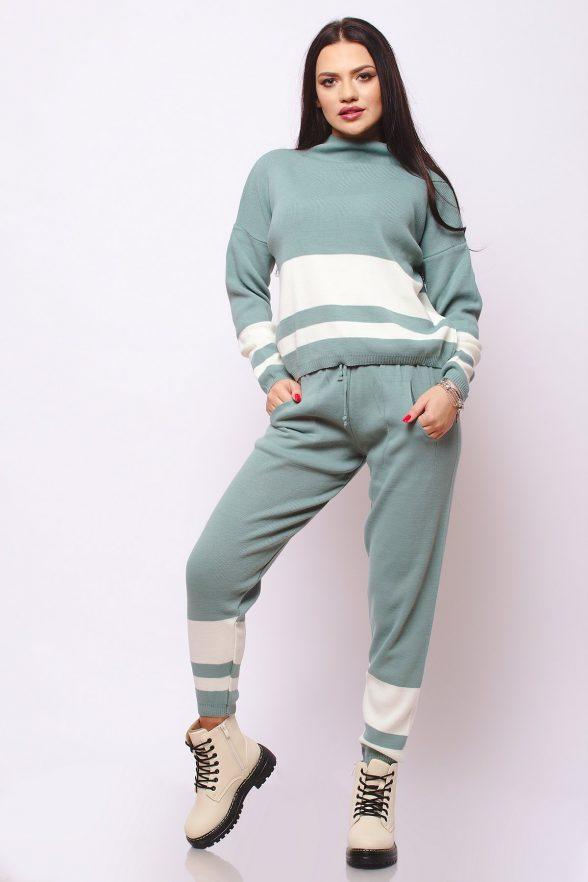 compleu tricotat format din bluza si pantalon Graziela verde cu dungi albe 1