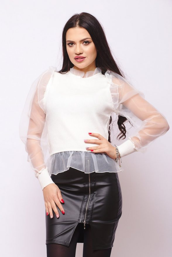 pulover moale alb cu maneci din plasa fina andradia 1