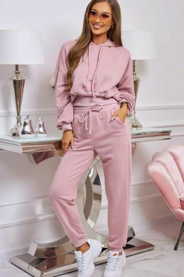 trening format din pantalon si bluza cu bata in talie margareta roz pudra